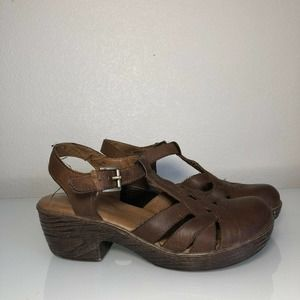 BOC Women's Rare leather strappy clogs Size 8